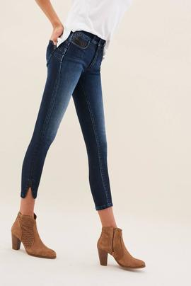 SECRET CAPRI SKINNY FIT CON TACHUELAS