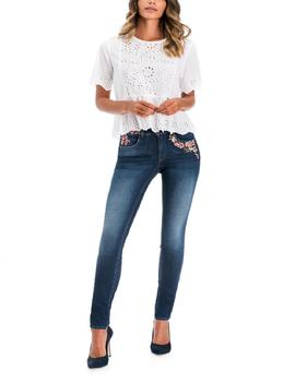 SECRET SKINNY FIT CON BORDADO FLORAL