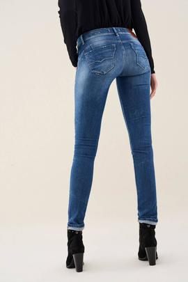 WONDER SKINNY FIT PREMIUM WASH GATEADO