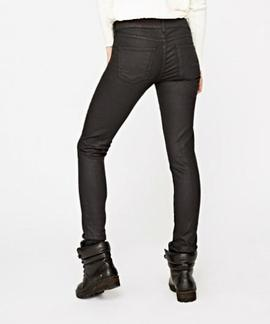 PIXIE COATED SKINNY FIT 999 NEGRO ENCERADO