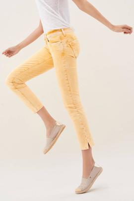 WONDER CAPRI SKINNY FIT EN DENIM AMARILLO DEGRADE