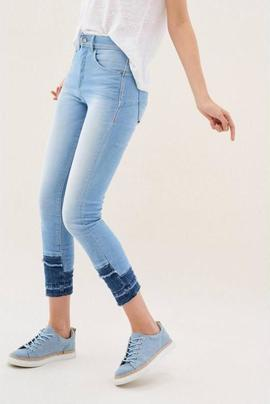 SECRET GLAMOUR CAPRI SLIM FIT HIGH RISE PREMIUM WASH
