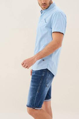 CAMISA DE COLOR LAVADO SLIM FIT CELESTE